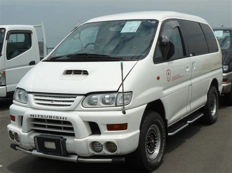 mitsubishi delica space gear mitsubishi delica space gear photos reviews