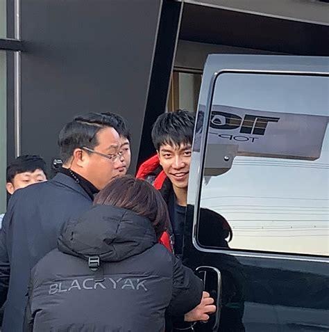 lee seung gi black yak 18 12 19 lee seung gi leaving black yak fan signing