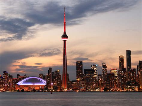 top 10 toronto dk 140937050x 9 toronto attractions every canadian needs to visit
