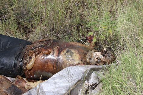 imagenes fuertes de cadaveres en descomposicion localizan el cuerpo de dos hombres en estado de