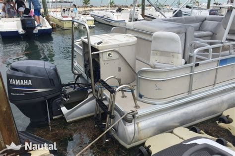 islamorada pontoon boat rentals motorboat rent custom tritoon in islamorada florida keys