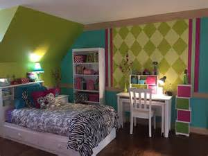 10 year bedroom ideas chartreuse hot pink deep aqua with black white