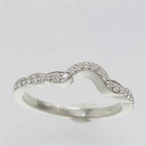 matching wedding band to flower style engagement ring in