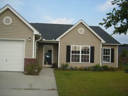 three bedroom two bath house for rent house for rent in summerville sc 1 300 3 br 2 bath