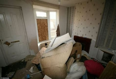 Pedestal Homes Is This Britain S Cheapest House Two Bedroom Victorian