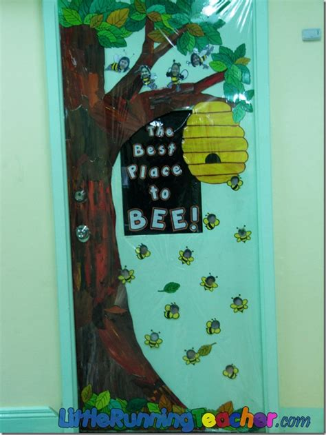 School Door Decorations by Back To School Classroom Design Running