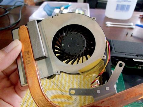 how to clean laptop fan keep your laptop cool how to apply thermal paste and