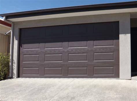 Sectional Or Panel Lift Door Pictures Brisbane Garage Doors Garage Door Lifts