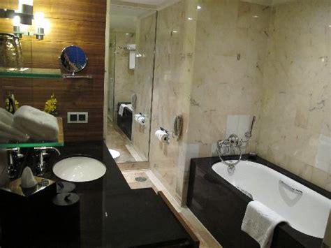 mandarin oriental bathroom bathroom picture of mandarin oriental singapore