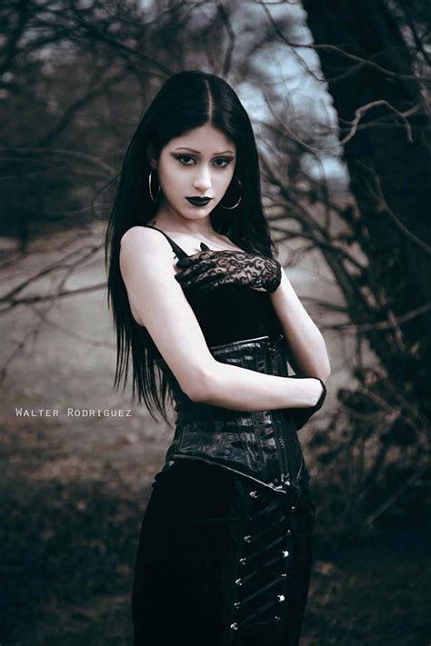 imagenes rockeras goticas pin de neptuno2021 en g 243 tico dark pinterest g 243 tico