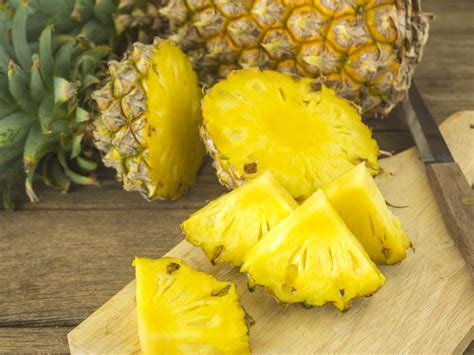 pineapple before bed these 6 amazing things will happen if you read before bed