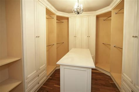 Small Closet Island by 17 Best Images About Built In Closet On Closet Designs Master Bedrooms And European
