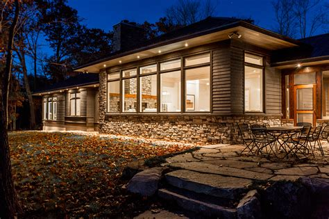 building a custom house custom homes cottages muskoka building company