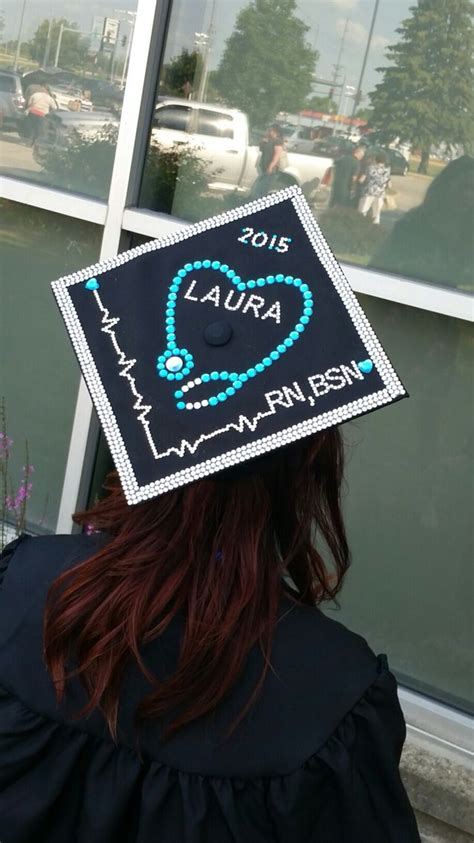 how to decorate graduation cap best 20 nursing graduation caps ideas on pinterest