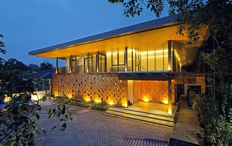 architecture designs a contemporary home in jakarta