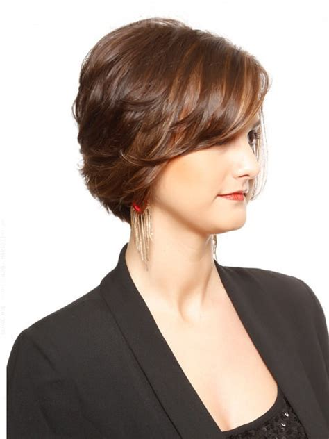 hair style for thick hair for 40s 40 beautiful short hairstyles for thick hair
