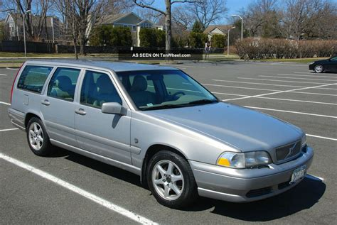 1999 volvo v70 base wagon 4 door 2 4l with 3rd row