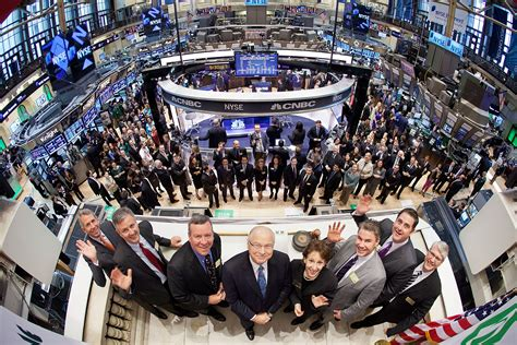 Wall Trading Floor by Wall Is The Nyse Trying To Tell Us Something