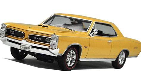 Welly Pontiac 65 Gto Diecast yellow 1 18 scale welly diecast 1966 pontiac gto model