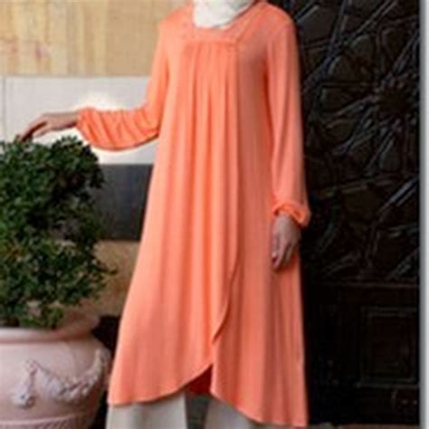 Segiempat Pom Pom model tunik dan blus terbaru sederhana dan elegan cara