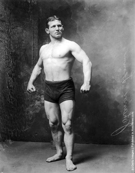 the wrestler bathroom les 65 meilleures images du tableau about wrestling sur