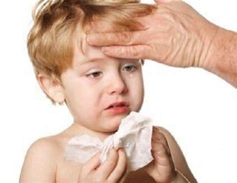 febbre e mal di testa nei bambini sinusite bambino cosa fare