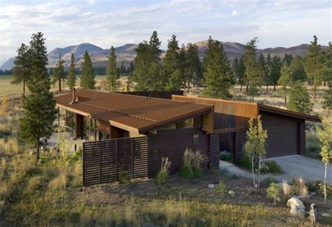 wolf creek view cabin treads lightly on the foothills of