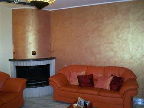 Pitture Per Saloni by Foto Decorazione Con Pittura Iridiscente In Un Salotto Di