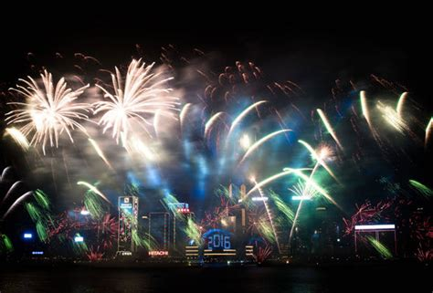 hong kong new year 2016 fireworks date new year s celebrations begin in style as australia