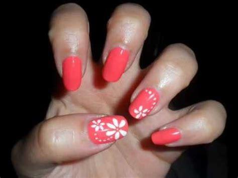 unghie fiori semplici tutorial nail semplice fiori bianchi su unghie corallo