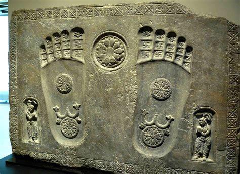 footprints   buddha artistic depiction