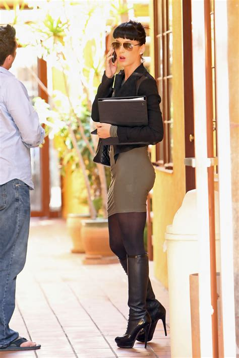 katy perry knee high boots katy perry boots looks