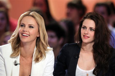 Whats Lipstick The Scoop On Charlize And Katharines Shades by Kristen Stewart Wore Lipstick With Charlize Theron