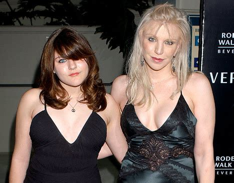 frances bean cobain wishes estranged mom courtney love merry christmas kooksmcgee  weekly
