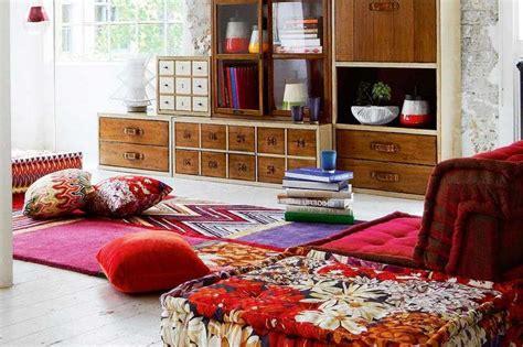 desain interior ruang tamu lesehan  kursi sofa