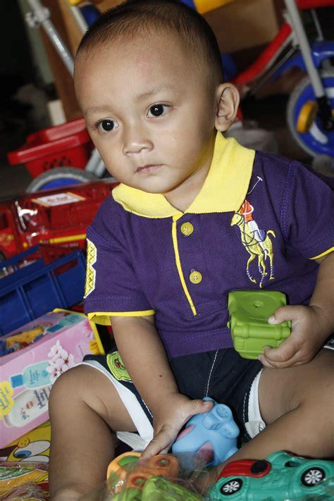 gambar anak bayi indonesia lucu