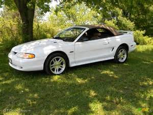 ultra white 1998 ford mustang gt convertible exterior