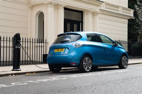renault zoe 2017 renault zoe z e 40 uk pricing and specifications