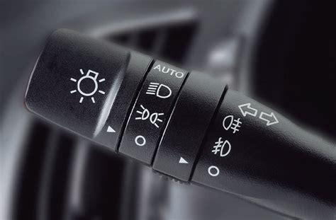 las luces de tu coche como son  cuando utilizarlas