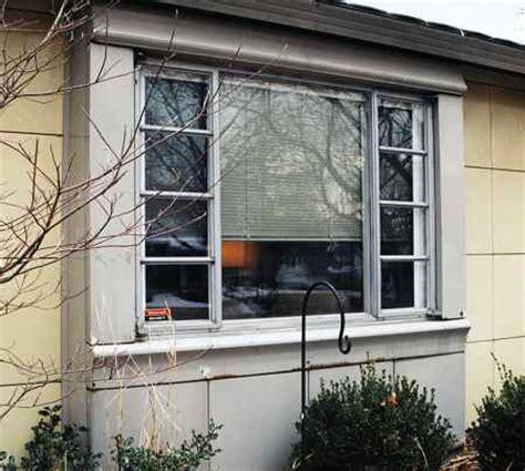 living   lustron  house web