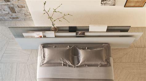 letti di design letto sospeso con testiera di design lago