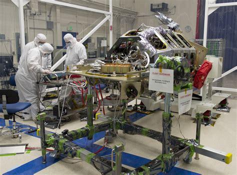 nasas ladee spacecraft  final science instrument installed