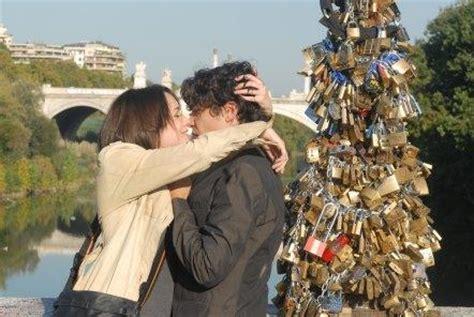 como se dice themes en español guia turistica de roma ponte milvio candados del amor