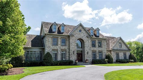 Does At House by Huger S Potomac Mansion Listed Variety