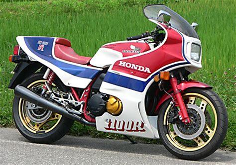 Suzuki Forum Australia Suzuki Gsxr 750 105 Hp Honda Cbr1100 115hp Page 2