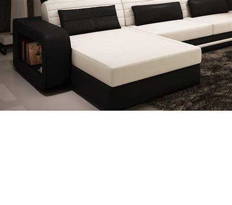 contemporary black leather sectional sofa dreamfurniture com 1005c contemporary black and white