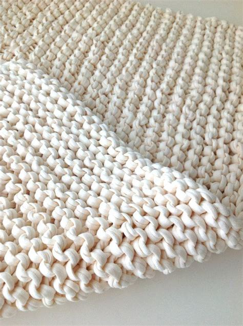 Knitted Rug by 25 Best Ideas About Knit Rug On Crochet