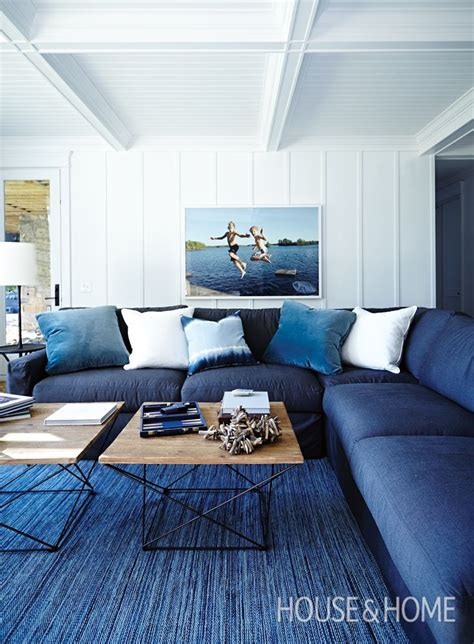 living room with blue couch 25 best ideas about blue living rooms on pinterest dark
