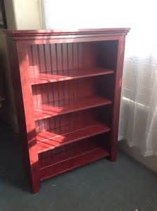 read your bookcase bookshelf painted pallet and beadboard bookcase 101 pallets