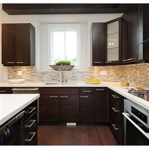 kitchen backsplash dark cabinets 17 best images about kitchen backsplash on pinterest